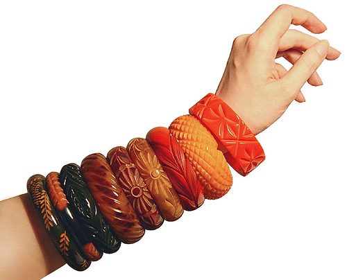 bakelite-bracelets-many